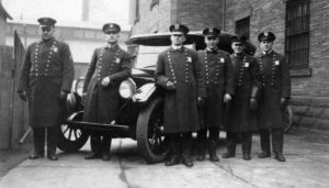 1921 Peerless patrol car